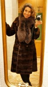 A chegada a meia noite...abrigada do frio lá fora com a pele que minha Nonna Gabriella me deixou.