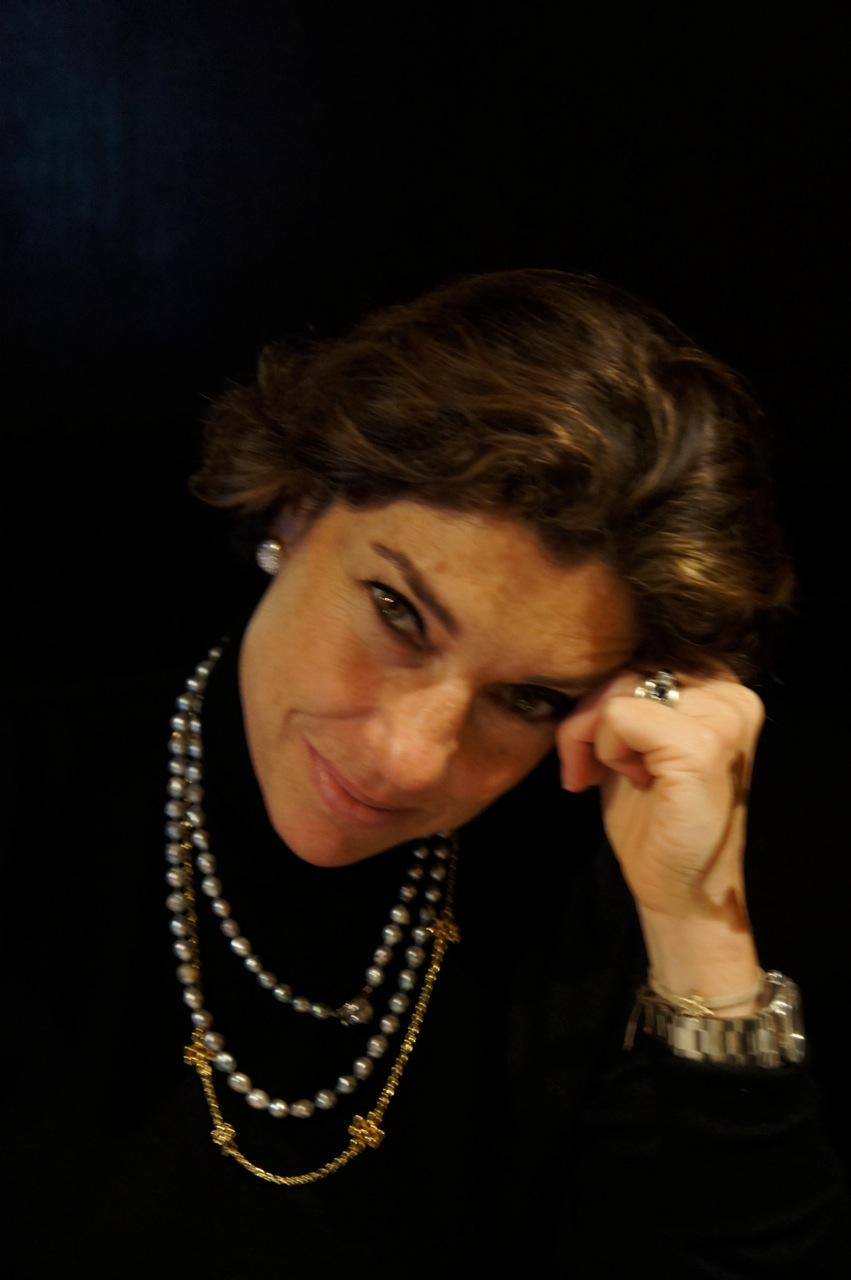 Estou aqui para conversar de joias e como vestí-las.  Use e abuse! Vou adorar ser a tua stylist!  Mande um email a hsternstylist@gmail.com.