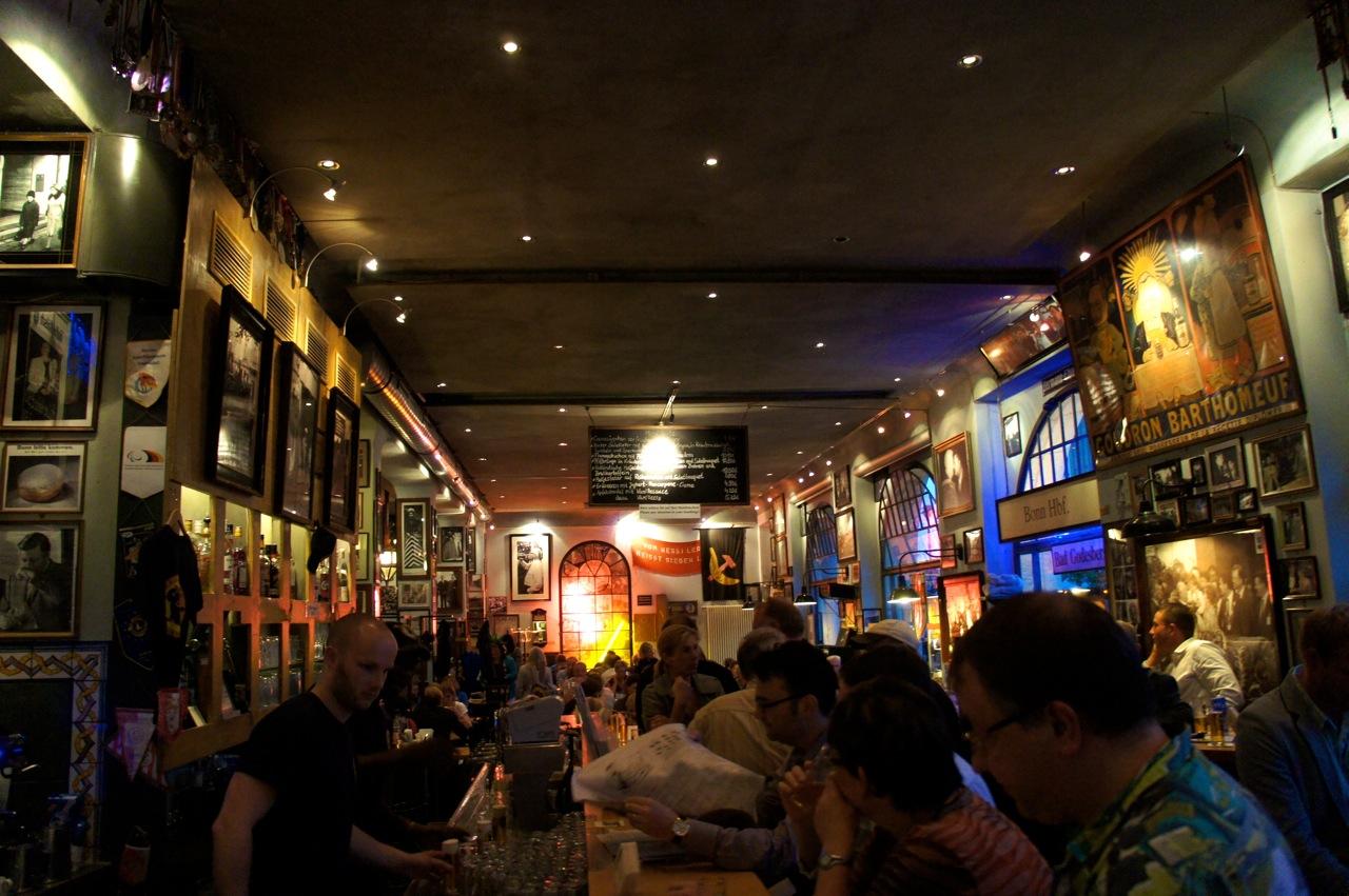 Onde comer em Berlim?-Berliner Republik mit Brokers Bierbörse