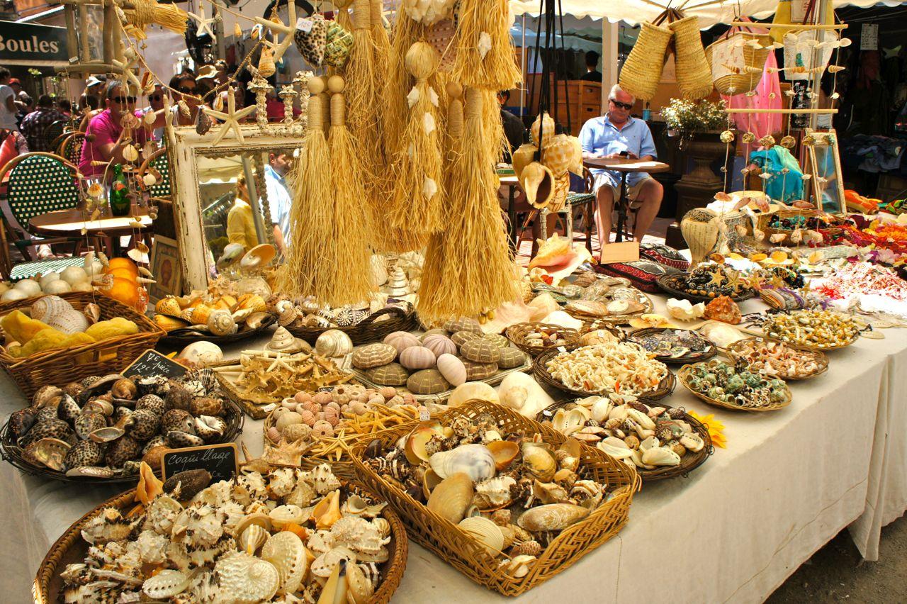 St. Tropez: feirinha nos sábados e terças!