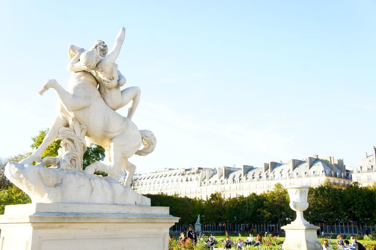 Paris: domingão no parque em volta aos desfiles