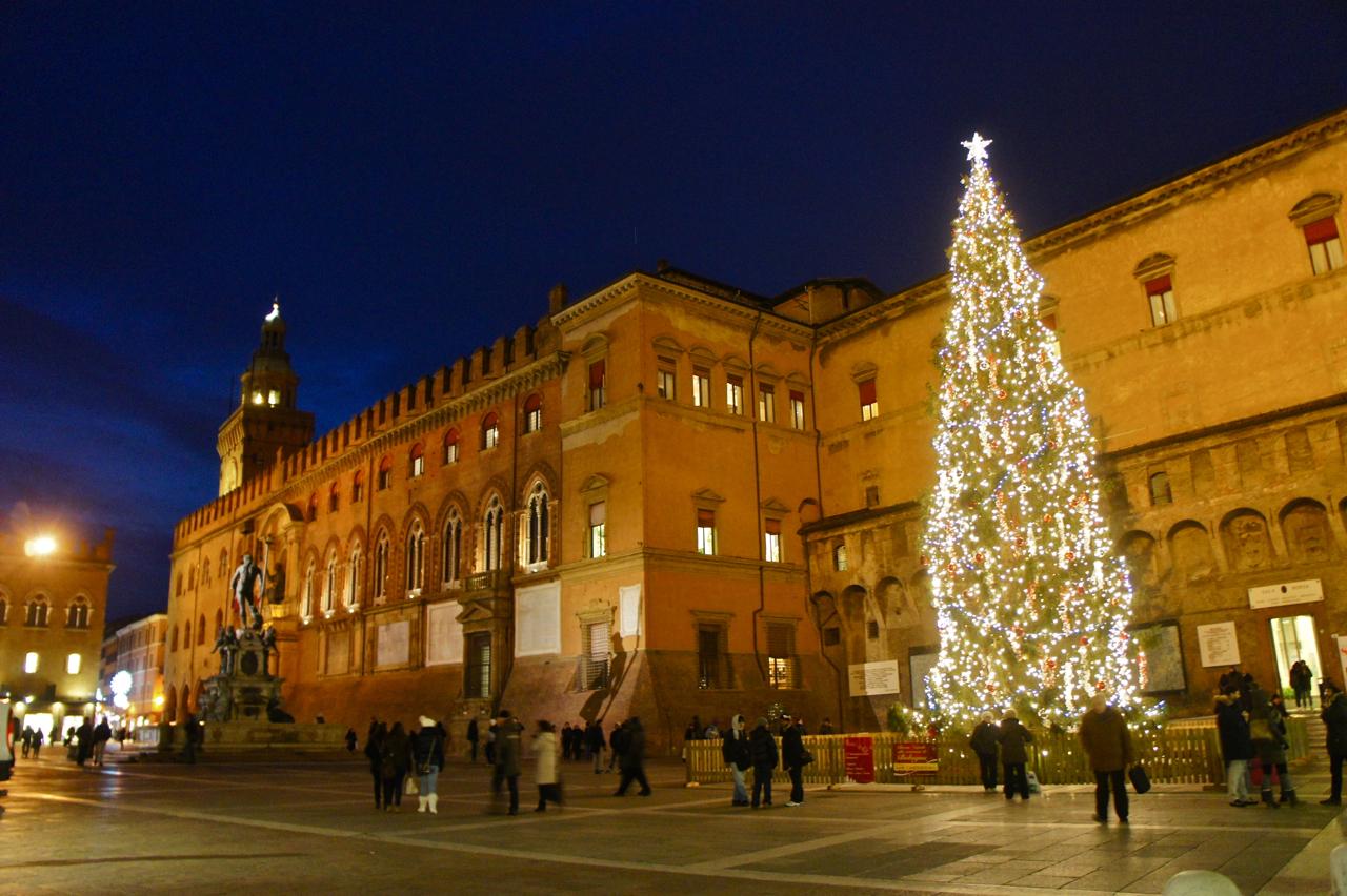 A praça decorada para o Natal