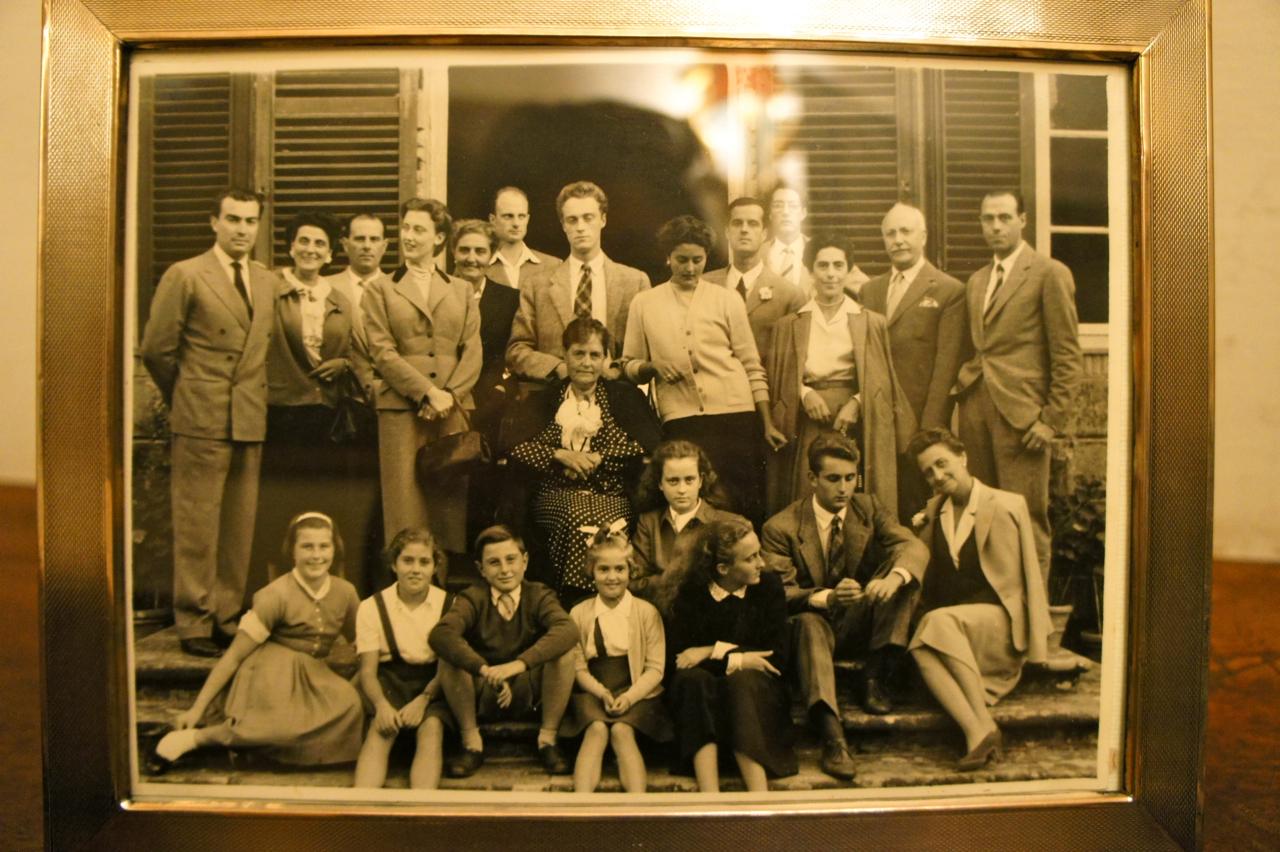 A prima da Zia Anna, casou com meu tio avô, o irmão da Nonna (Dona) Gabriella.