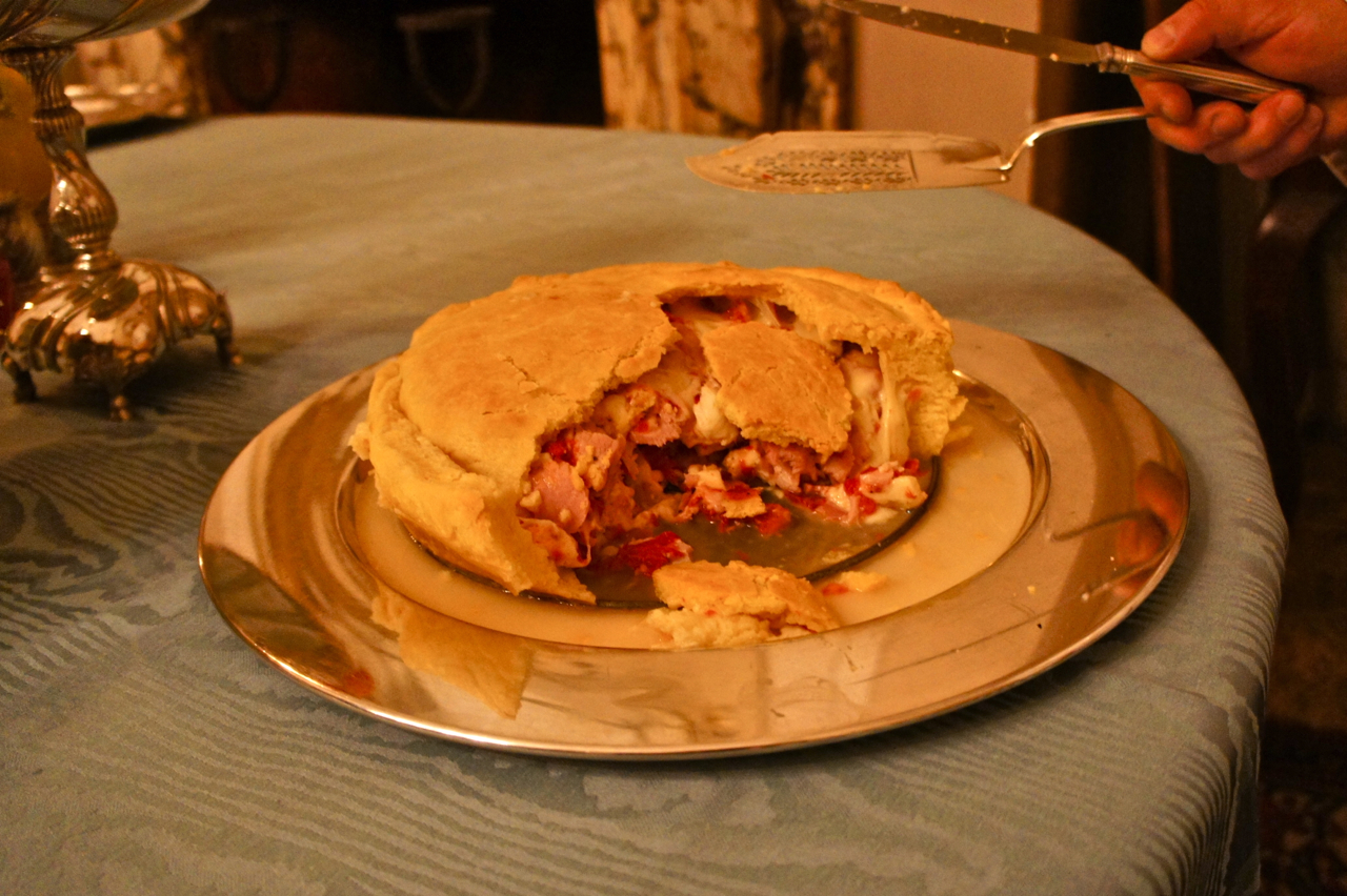 E a minha favorita, uma tradição da casa da família Mazzini, uma torta com queijo derretido e presunto!! Sonho com ela o ano todo!