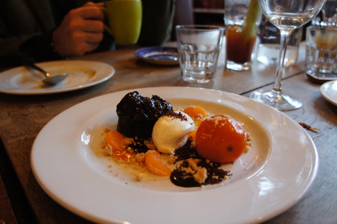 A ganache de chocolate estava demais!!! E a laranja cozida molinha no ponto!! Estou salivando!!