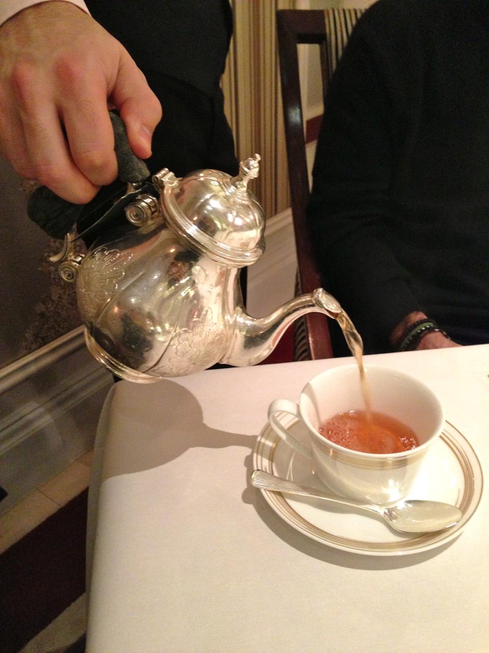Escolhi o chá, uma delícia!!  O Roberto achou feminino demais.