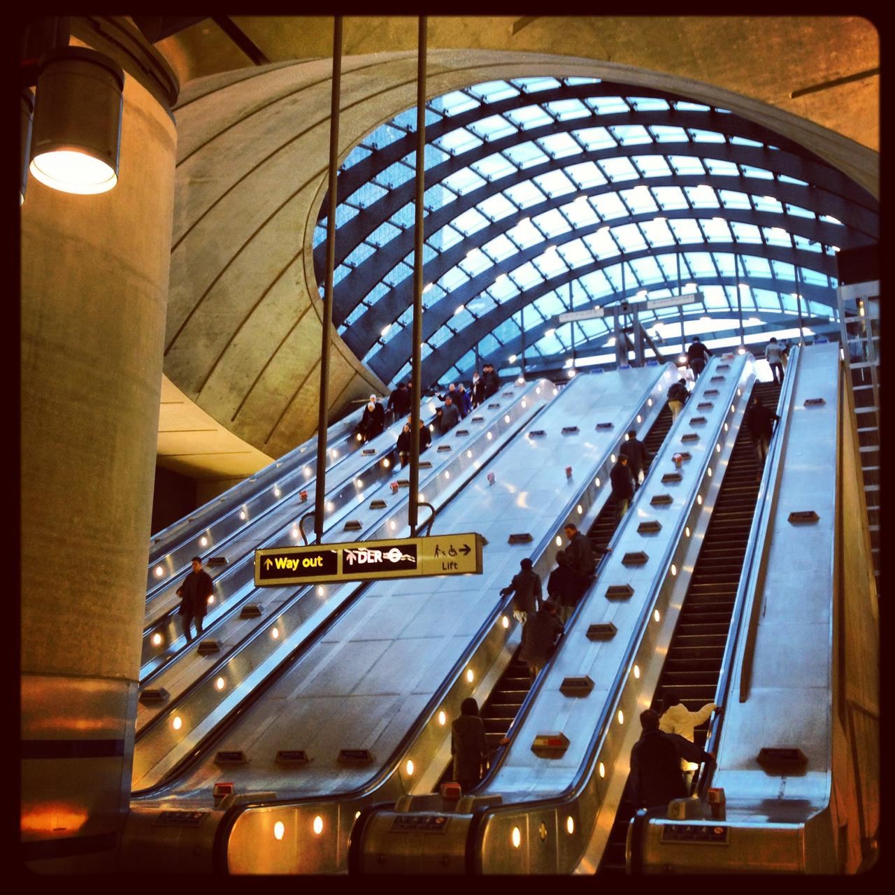A estação de Canary Wharf é lindíssima!