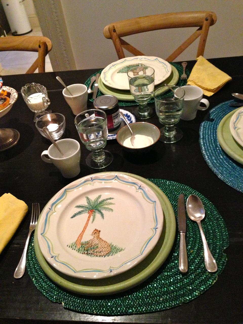 E que linda a mesa para o chá!!