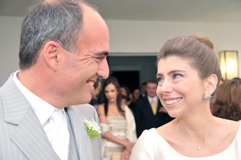 """Carlos e Alessandra em um momento de completa cumplicidade!  Nem deveria ter sido fotografado...mas vivemos em um mundo """"voyeur""""!"""