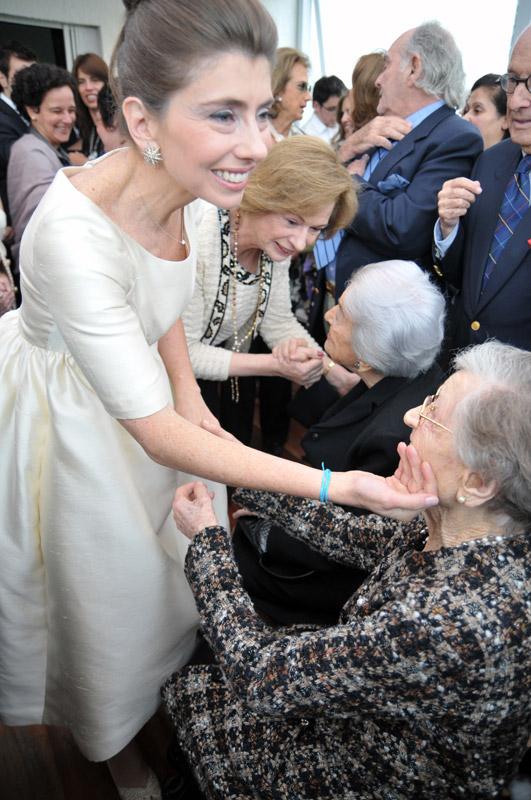 A minha avó, Dona Gabriella, e a Blanche estavam vivas e foi uma emoção que elas puderam assistir a este evento tão importante para nós! A vovó morreu em Agosto do mesmo ano e a Blanche um ano e meio depois.