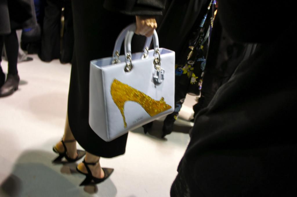 A bolsa com o desenho de Warhol