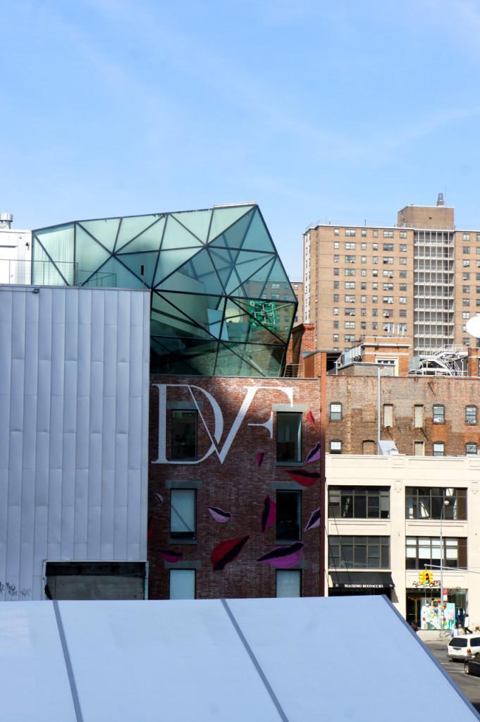 Vários lindos prédios de grandes arquitetos (veja o vídeo abaixo no New York Times)