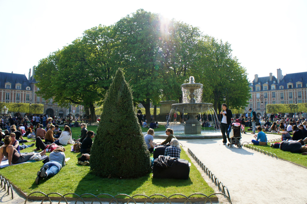 Até a Place de Vosges estava cheíssima!