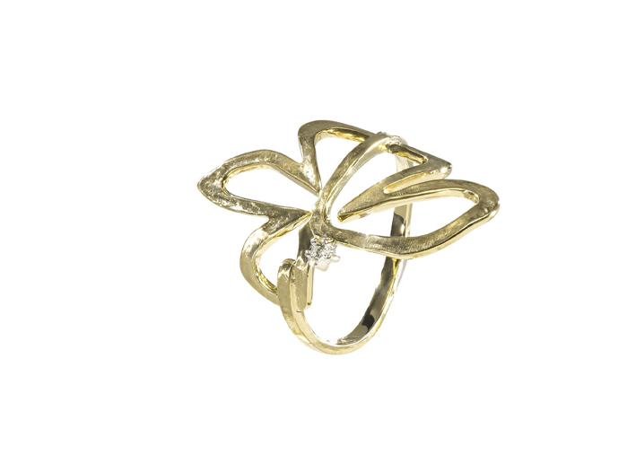 FLOR - Anel de ouro amarelo texturizado com detalhe de diamante