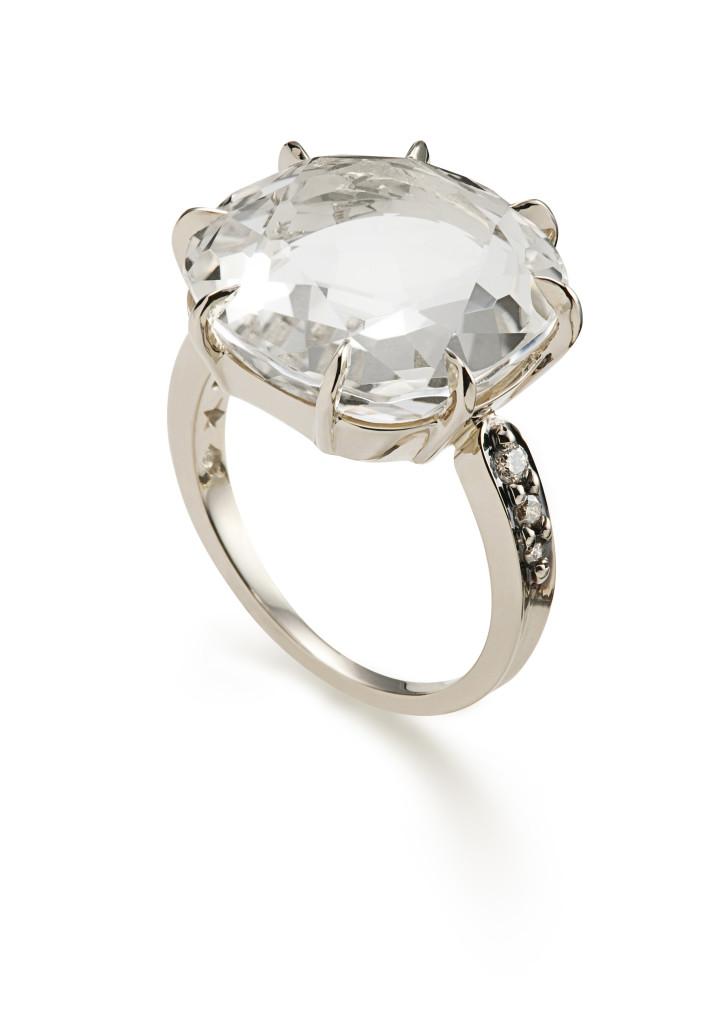 Anel moonlight de ouro nobre com cristal de rocha. Porque ela merece!!
