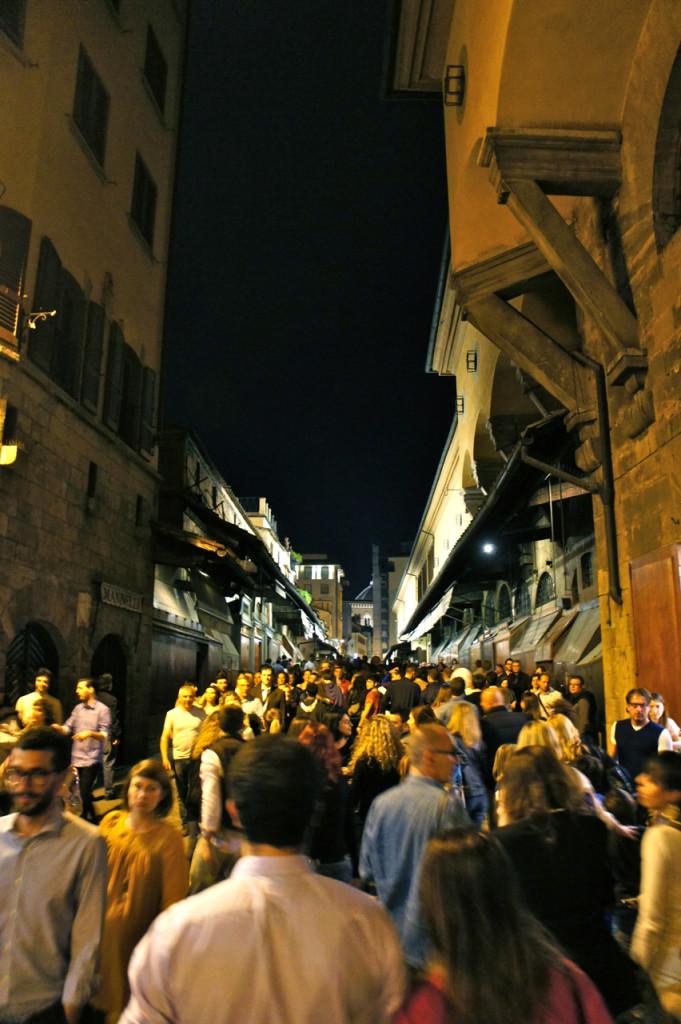 A Ponte Vecchio lotada!!!