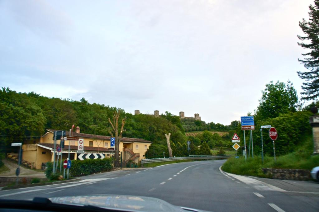 Chegando a Monteriggioni de Florença...