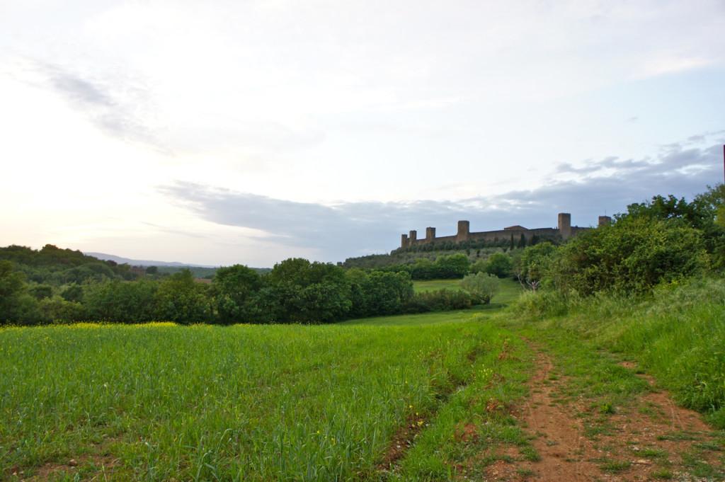 Monteriggioni fica a uma hora de Florença na província de Siena.
