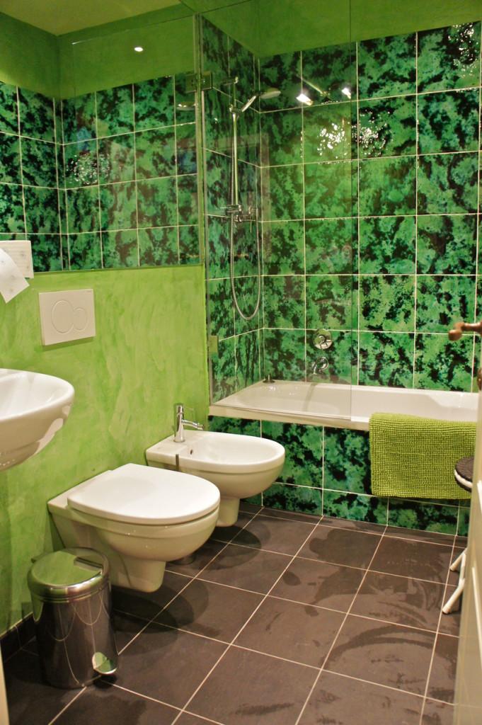 ...um banheiro.
