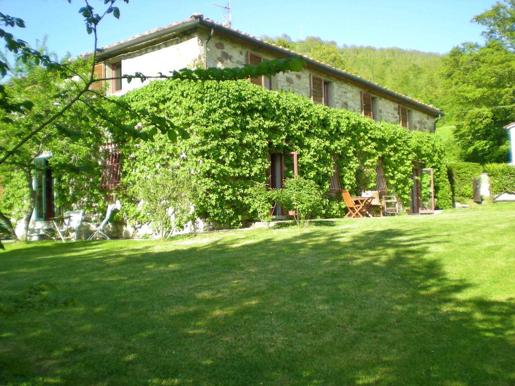Esta é a casa para 14 pessoas perto de Sansepolcro, a uma hora e meia de Florença!