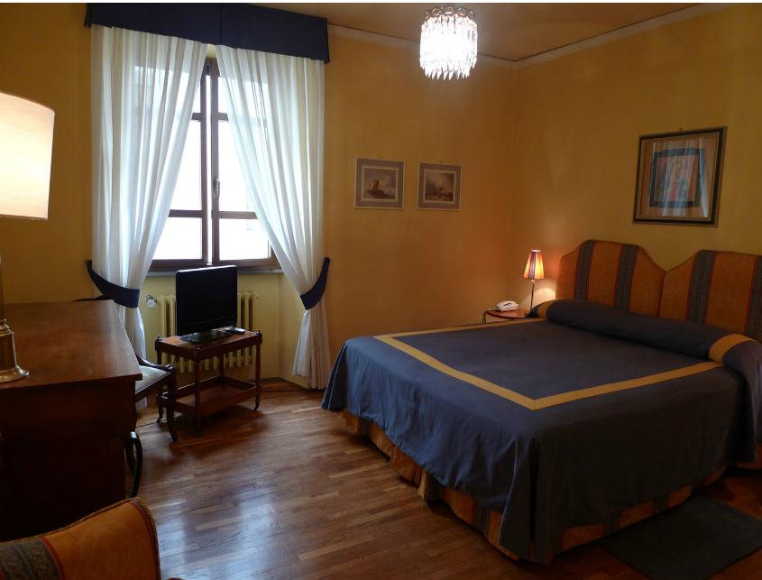 Este quarto se chama Maria Callas e custa de 120€.160€.
