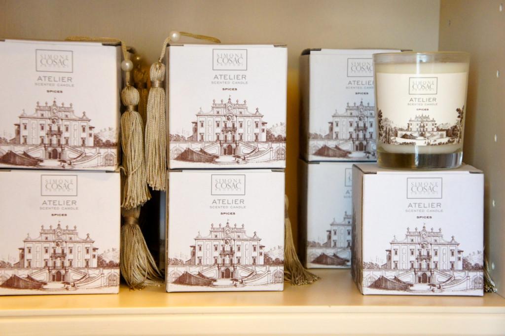 E em Florença, é nesta villa maravilhosa que se vê nas embalagens.  Reparem nos detalhes como as pérolas nas caixas e sacolas.