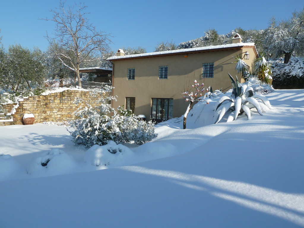È linda mesmo no inverno!! Neva pouco em Florença, mas quando neva...é lindo!!