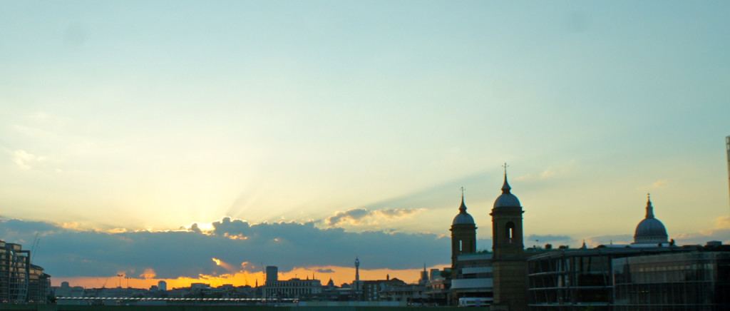 Pôr do sol é o meu momento favorito do dia...além de ser um ótimo momento para um drink!