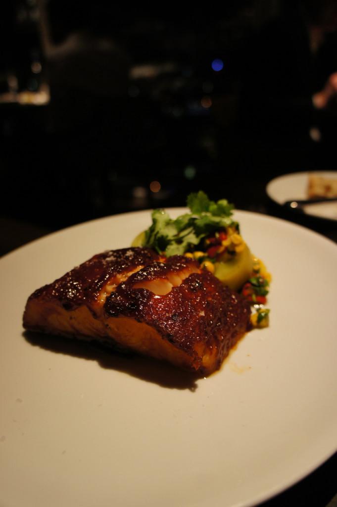 E o black cod com barbeque sauce (que estava uma delícia, recomendo!!!) para o Robbie.