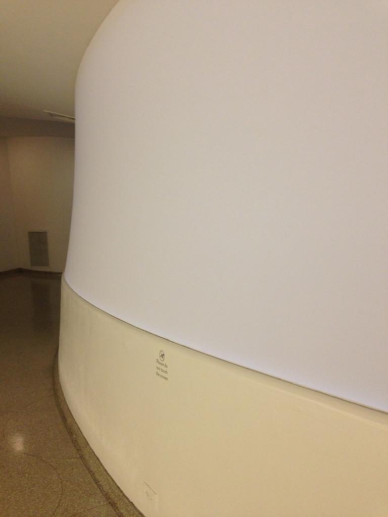 Para quem conhece o museu, os corredores estão fechados assim!