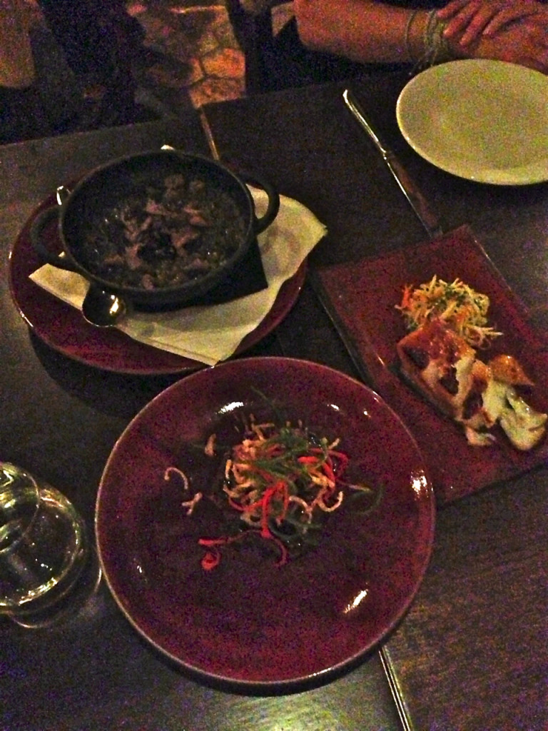 ...e 3 pratos principais para também dividir.  Eles sugerem os melhores!! Nos gostamos do black cod e do filet, como sempre!!!