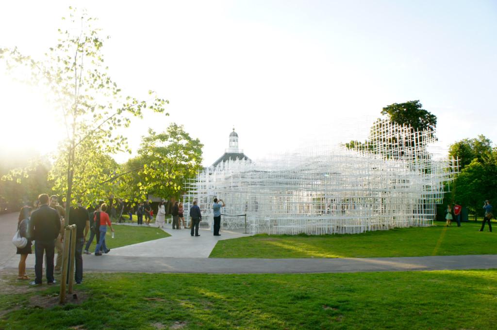 O Summer Pavilion de 2013 é do arquiteto japones Sou Fujimoto