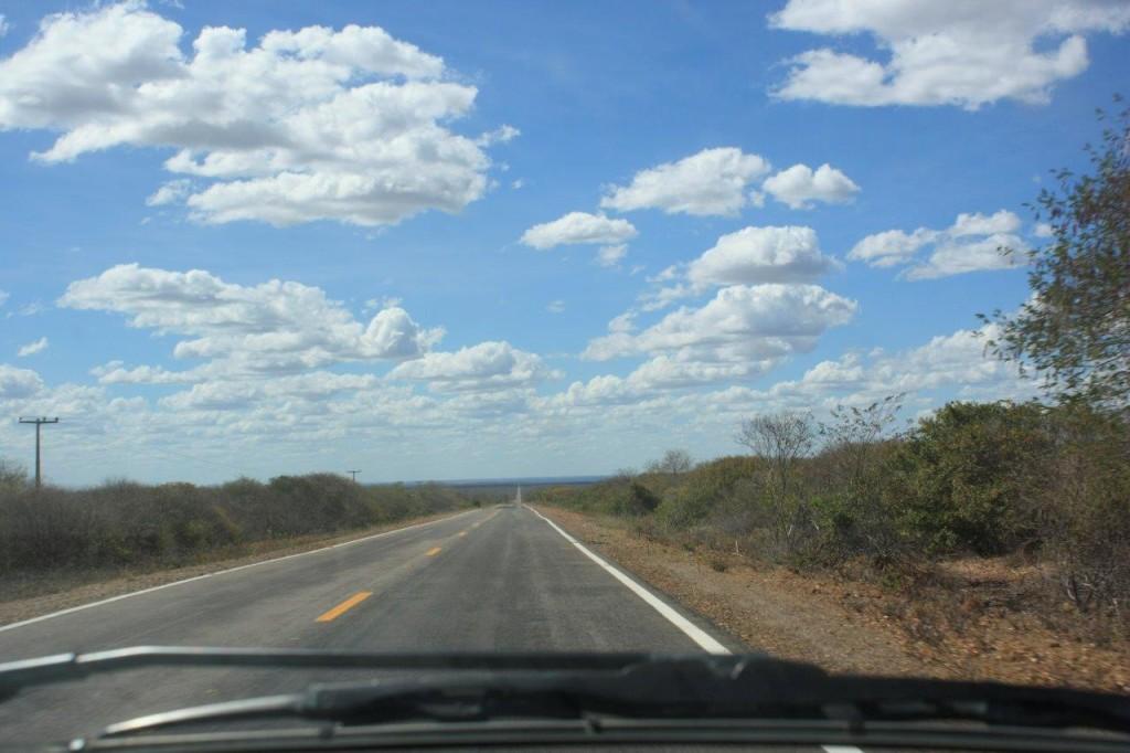 quilômetros e quilômetros de estrada...