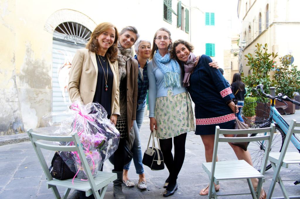 Esq à dir: Maria, Caterina, Barbara, Elena e…eu! As minhas primeiras amigas em Florença! Fomos almoçar no centro.