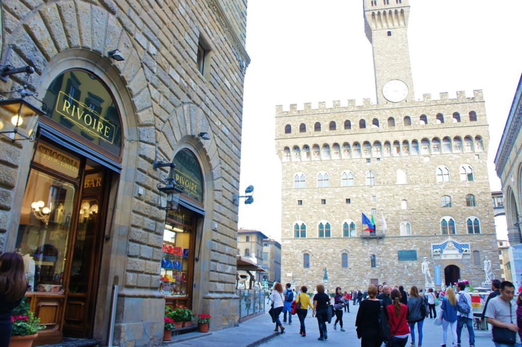 """Rivoire é um dos ótimos e mais tradicionais cafés de Florença. No inverno o chocolate quente com """"panna"""" é divino!!"""