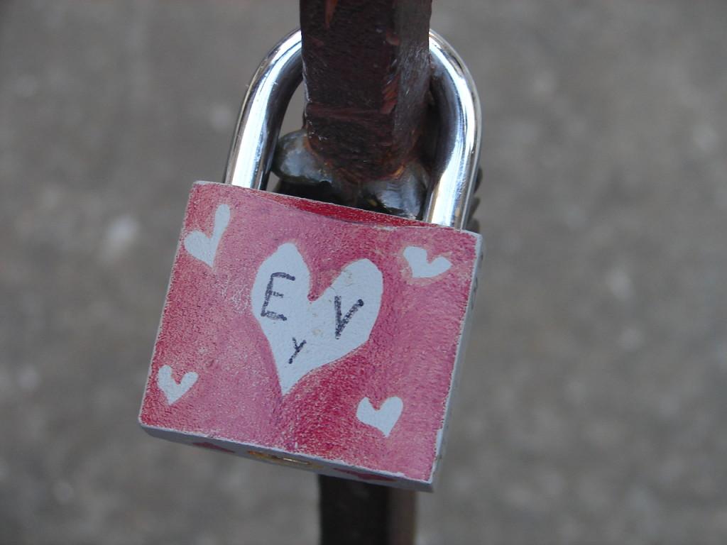 ... e corações voluntários na Ponte Vecchio