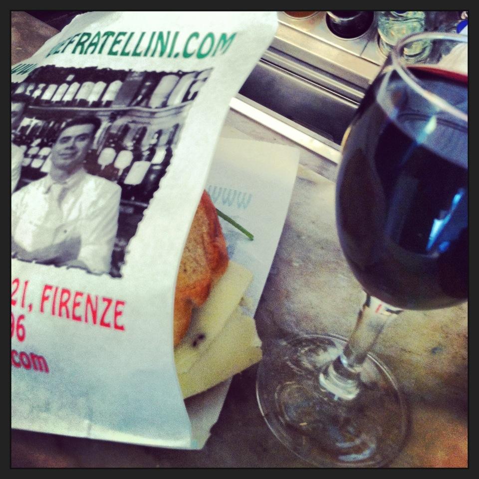 O melhor panini que comi na Itália, foi na Il Fratelinni