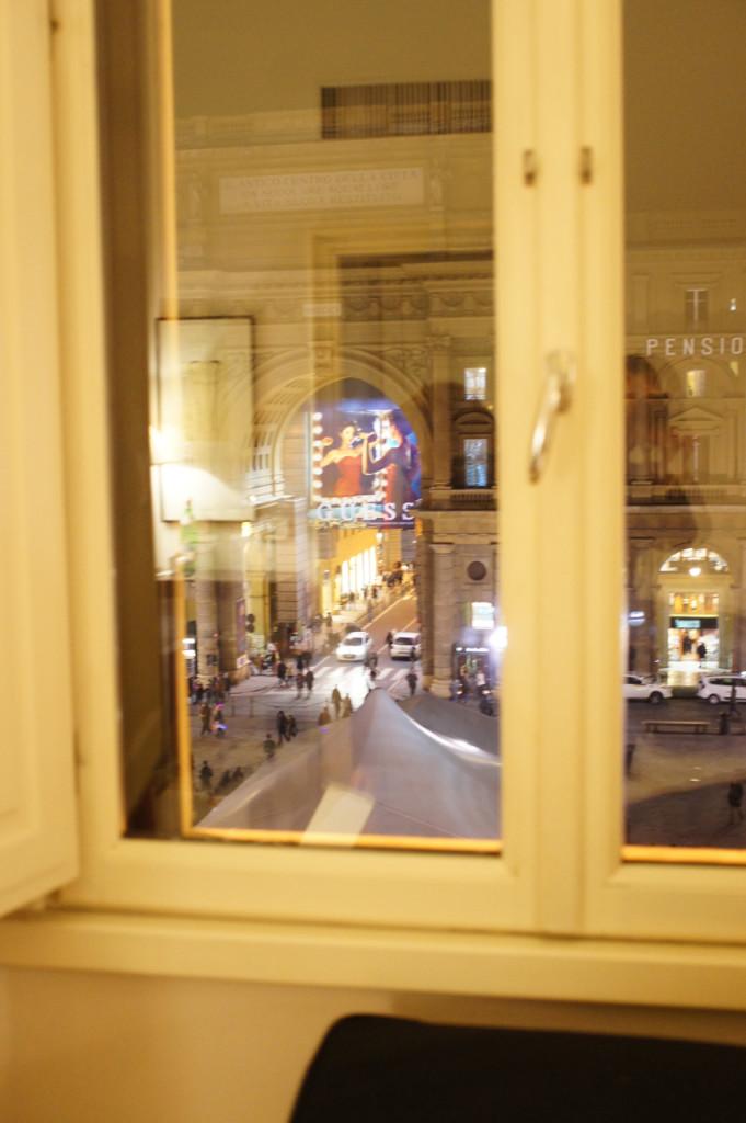 A vista do quarto da mamisa da na Piazza della Repubblica.