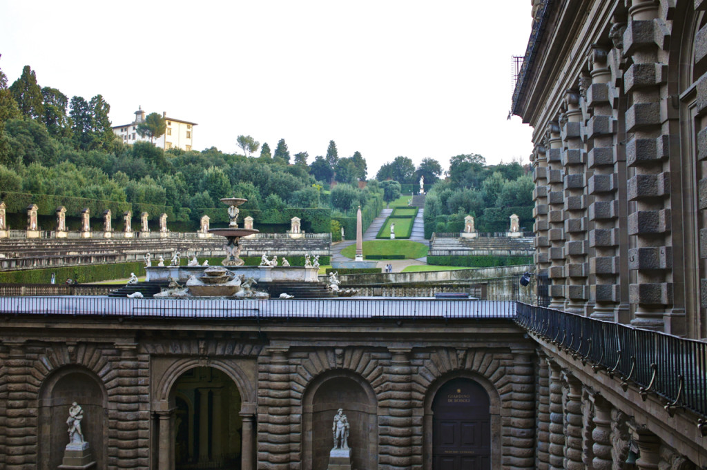 O jardim de Boboli faz parte do Palazzo Pitti.  Saibam que no inverno fecha as 5 por causa da luz.