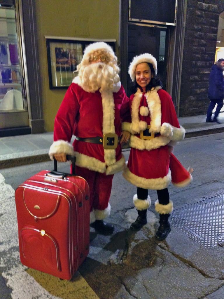 Encontramos Papai Noel (era dia 24) voltando das férias e indo à labuta da noite...