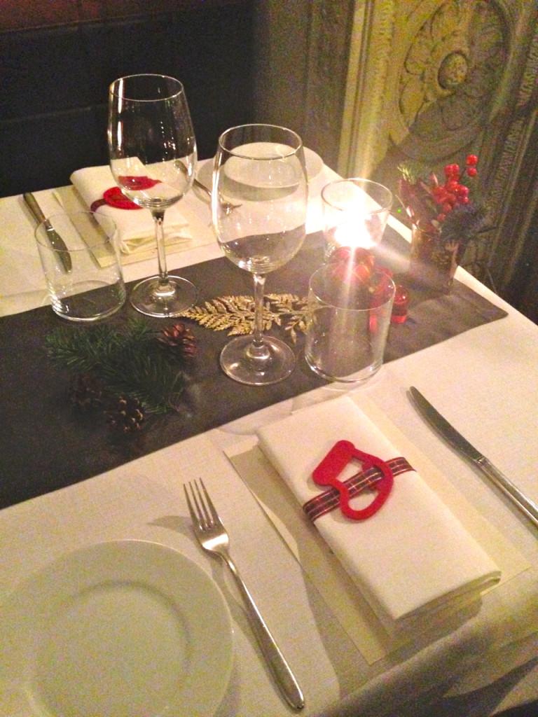 Adorei a decoração simples mas linda da mesa!!
