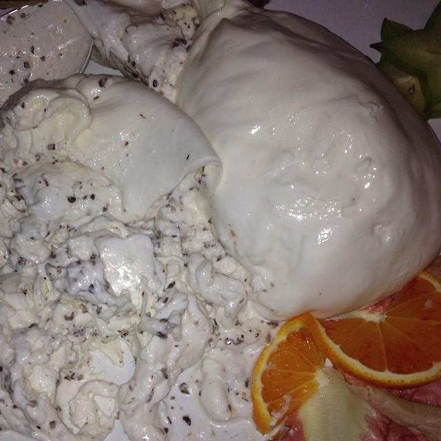 Burrata com tartufo!!