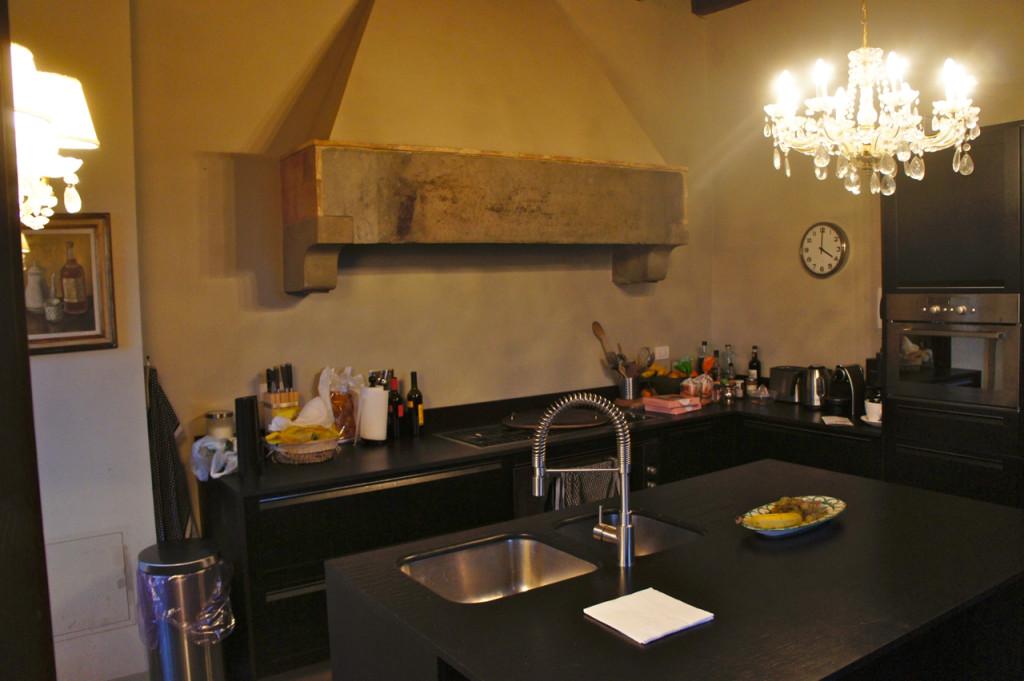 A cozinha before and...