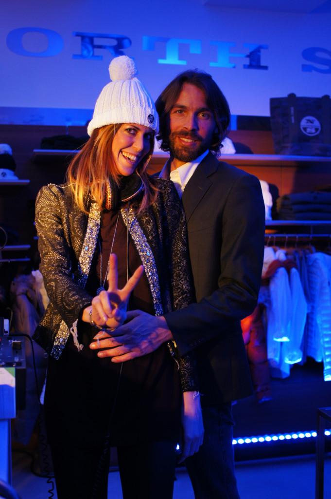 Até a DJ Viky (a mesma do meu aniversário), e seu namorado, Michele, estavam no cocktail da loja North Sails.