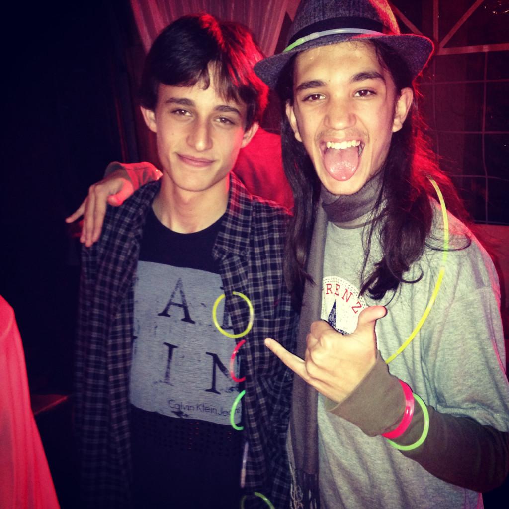 Artur e André, filhos do Carlos