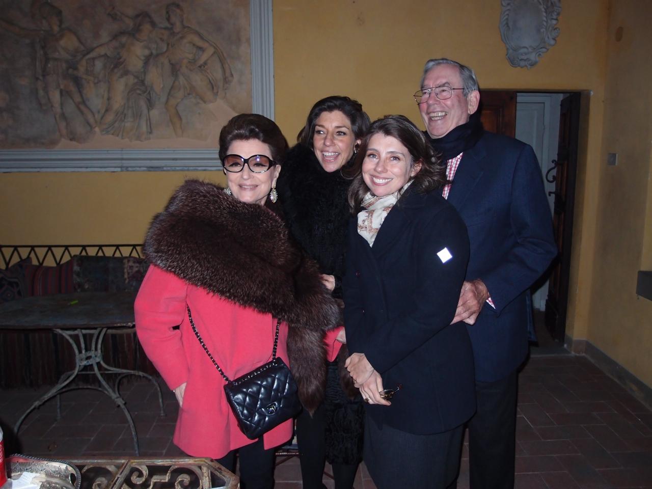 Com Roberto, pai de Consuelo e Alessndra no ano novo.