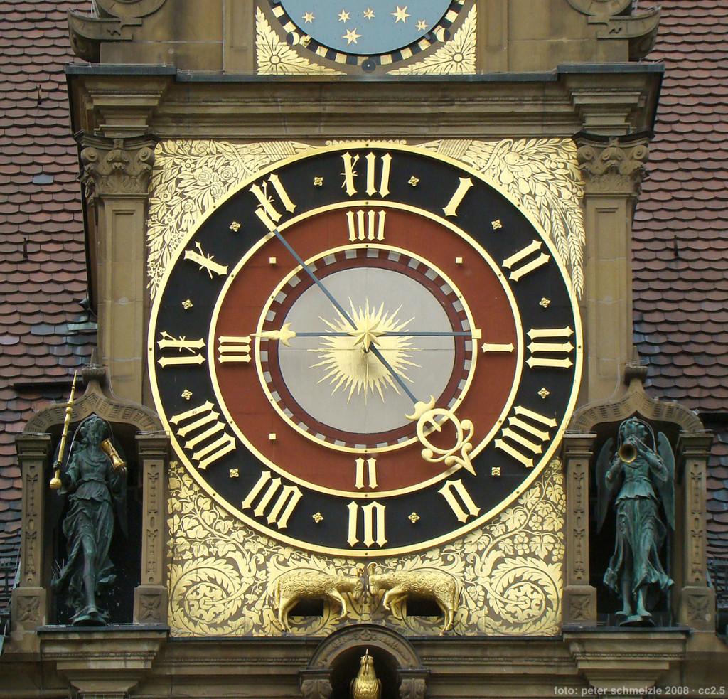 Heilbronn, Alemanha. Detalhe do relógio superior...