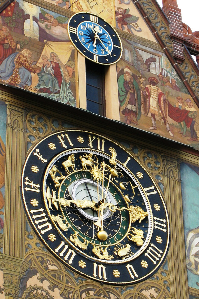 """Relógio zodiacal de Ulm, Alemanha. """"Azastróloga"""" pira!"""