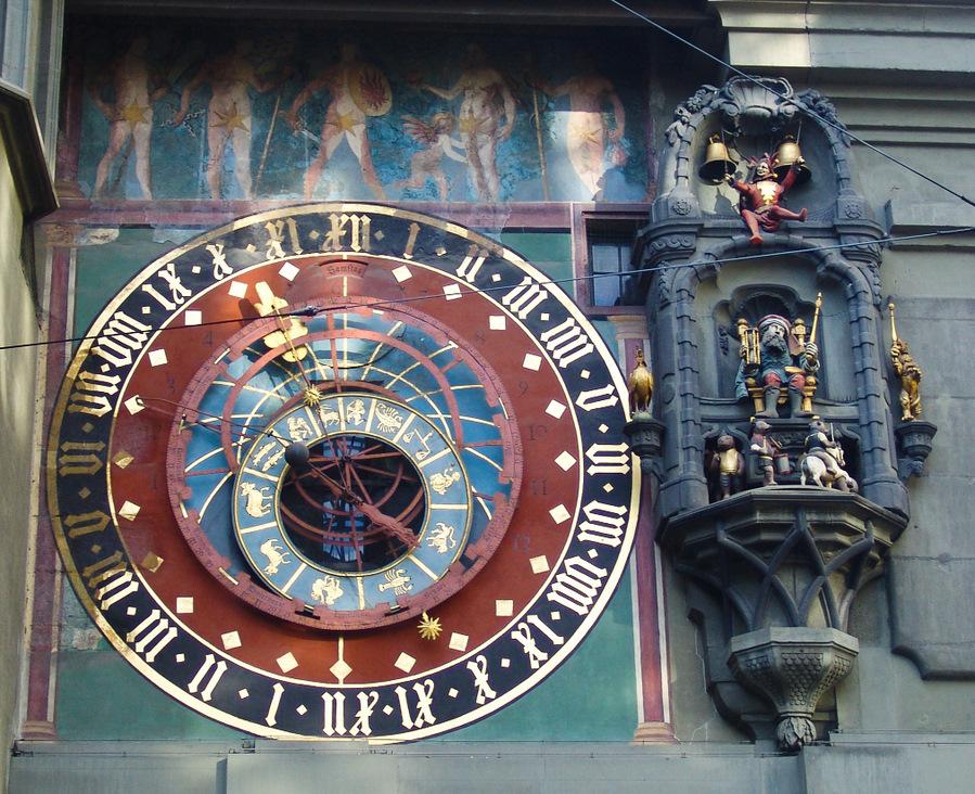 Esse fica em Berna, na Suíça. Os signos, no círculo interno.