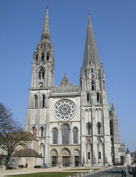 A magnífica Catedral de Chartres, de 1193 e...